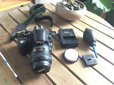 尼康 D3100 配40mm 1:2.8G微距镜头 9.9成新