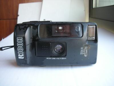 很新理光AUTO35自动曝光定焦镜头便携式相机,有挂绳