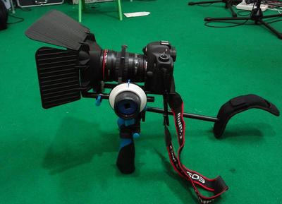 5d3套件5d2单反视频套件支撑云台肩托手柄跟焦器5d2遮光斗