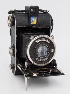 德国福伦达Virtus 中画幅胶片皮腔折叠相机