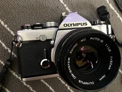 奥林巴斯胶片机Olympus OM-1九成新,附赠om转接4/3环。