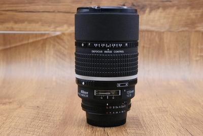 95新二手 Nikon尼康 135/2D 定焦镜头回收 513646