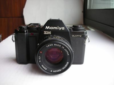 很新玛米亚ZM经典单反相机配50mmF1.7镜头,送皮套,背带