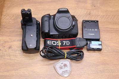 98新二手 Canon佳能 7D 中端单反相机 +丹斯得手柄回收 108033