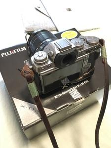 富士 X-T1微单相机 套机 (XF18-55mm 标准变焦镜头) (碳晶灰色)