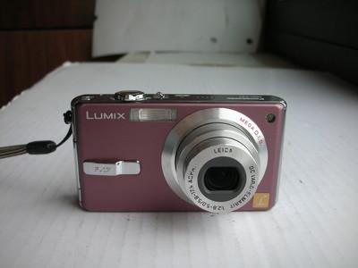 极新漂亮的粉色松下 FX7GK数码相机