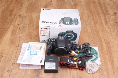 98新二手 Canon佳能 600D 单机 入门单反相机 065075