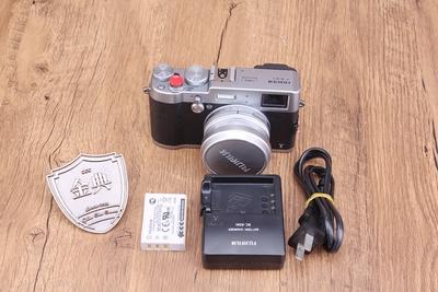 95新二手 Fujifilm富士 X100T 套23/2 数码相机 W00706