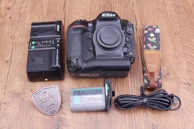 93新二手Nikon尼康 D4单机 快门32000次 016603