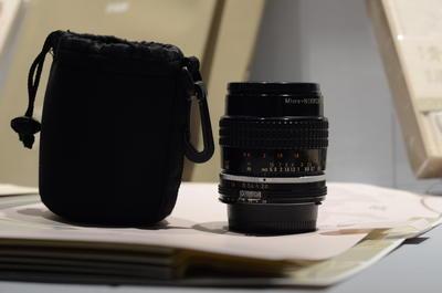 Micro-Nikkor 55mm 1:2.8 尼康微距手动老镜头(年份 1979-83 )