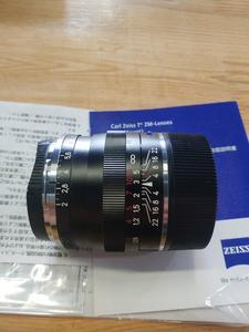 卡尔·蔡司 Planar T* 50mm f/2 ZM手动镜头