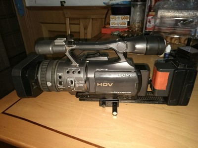 3500元一起走!超低价甩-索尼高清摄像机 FX7E+原装记录单元+CF卡