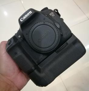 佳能 7D相机+原厂手柄