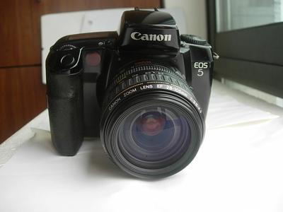 较新佳能 EOS 5QD相机带28--105镜头,8000分之一秒,收藏使用