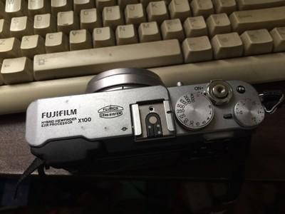 便宜出一台战斗机 Fujifilm/富士 x100 仅售2000