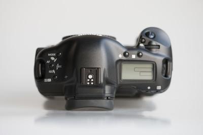 佳能 EOS 1D Mark II