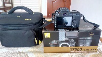天津出尼康d7500 18-200 vr2套机 全新 赠送卡和相机包