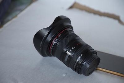 出一个佳能 EF 17-40mm f/4L USM镜头