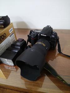 尼康 D700 正品行货 送两块原装电池 16G原装卡 手柄  闪光灯