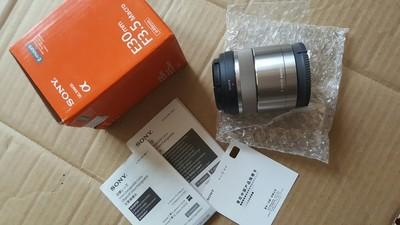 索尼 E 30mm f/3.5微距(SEL30M35)