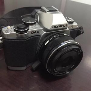奥林巴斯 E-M10 单机 (可选17mm f1.8镜头)包装完整
