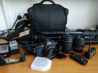 奥林巴斯 E-M5+3个镜头+相机包+三脚架+无线快门,打包灭门