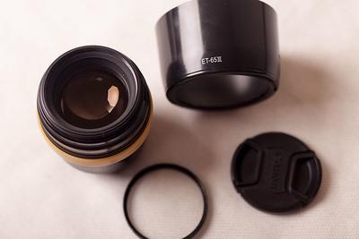 佳能 EF 85mm f/1.8 USM