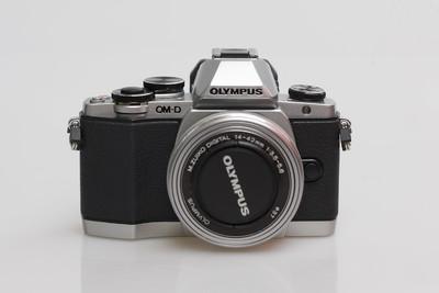 奥林巴斯 E-M10