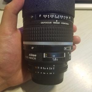 尼康AF 105mm F 2d DC 柔焦镜头带B+W UV镜