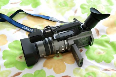可刀,全部便宜忍痛转让98新摄像机两台含脚架脚轮及广角镜头等