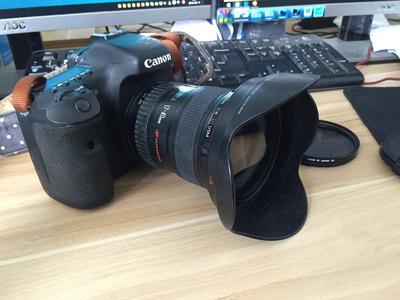 佳能 7D机身 17-40佳能镜头 赠送配件