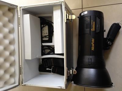 出售2盏耐思680A无线高速闪光一体式600W外拍灯