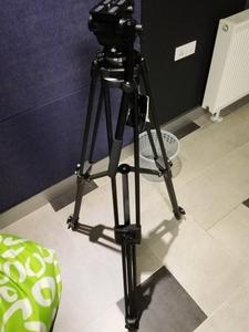 伟峰717 摄像用三脚架+云台+WT600专业脚轮,带软袋
