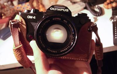 【自用转让】OM-4 + 50mm 1.4镜头 + 手工定制