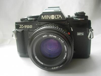 很新美能达X700相机带50mmf1.7镜头,送原配背带