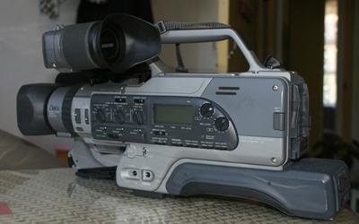 收藏级的索尼 DCR-VX9000E摄像机