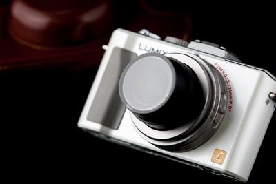 松下LX5 莱卡镜头2.0大光圈!双电池!相机包,GGS贴膜