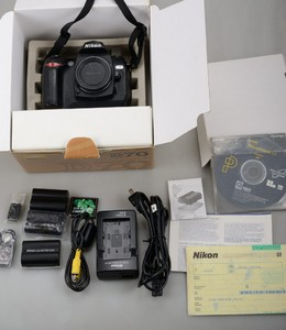 出尼康 nikon d70 单反相机(带全套包装和配件)