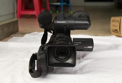 松下MDH1肩扛高清摄像机