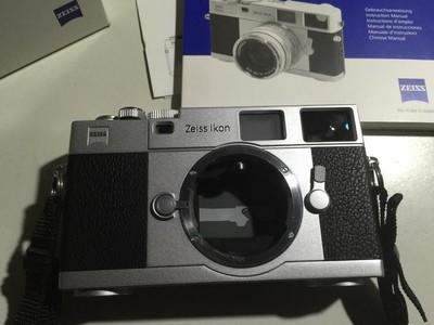 Zeiss Ikon ZI ZM限量版银色机身 和Leica