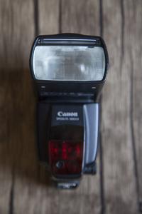 求秒价 佳能580ex2 代 闪光灯