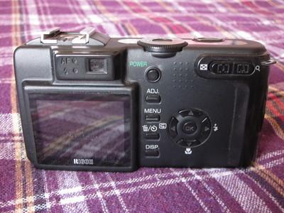 出一台理光GX小数码相机,九成新,功能正常,已改成红外相机