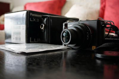 95新 松下 LX3 大光圈数码相机! 包装齐全 送皮套一个!
