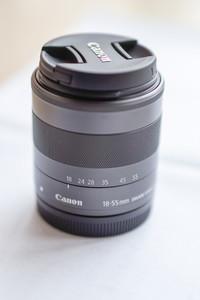 佳能微单EF-M 18-55 STM镜头和佳能90EX闪光灯