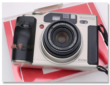 富士中画幅变焦机 FUJIFILM GA645Zi 带 55-90mm F/4.5-6.9 镜头