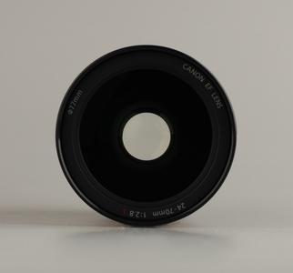 出一台自用 EF 24-70mm f/2.8L USM