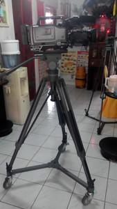 日本原装进口利拍摄像机三角架带轮车