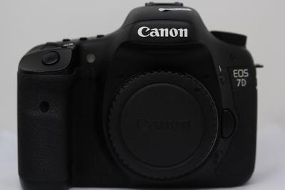 深圳小陶相机行;95新 Canon佳能 EOS  7D,7D单机 2800元!
