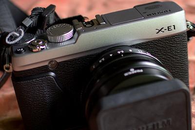 自用辅机XE1+XF18/F2+皮套+电池2个  镜头99新 机器98
