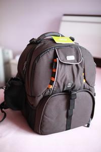 全新未使用Hugger 1593 专业相机摄影背包